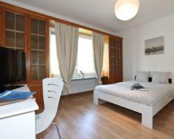 Room N° 12